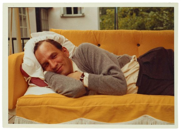 UNKNOWN_1960s_Ingmar_Bergman_on_couch
